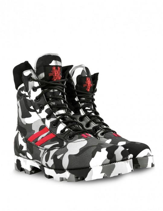 Boots B&W PIRAT ARMY